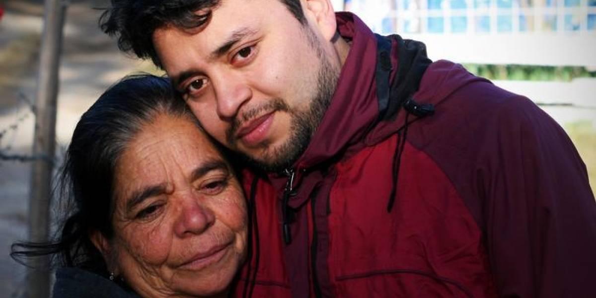 Un mar y los 33 años que separaron a una madre de su hijo