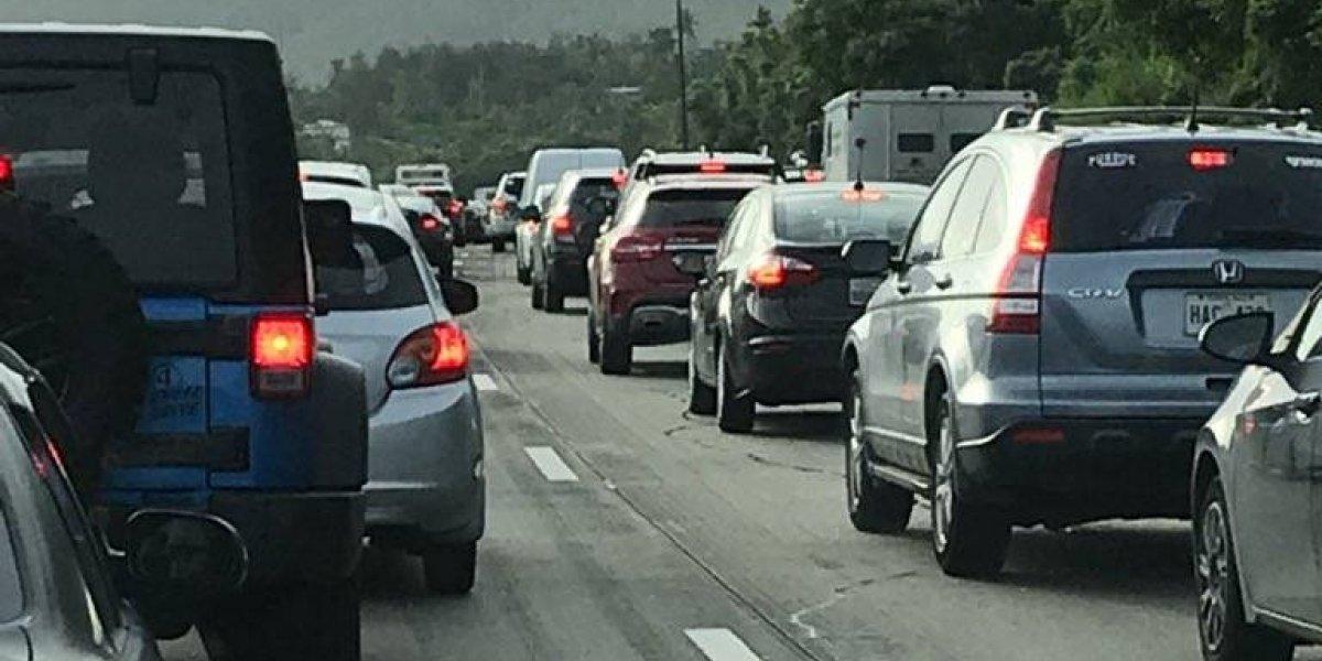Cierran carril de autopista de Caguas a San Juan por trabajos de construcción