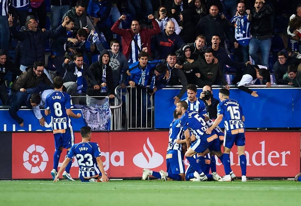 La celebración agónica del Alavés de Maripán ante el poderoso Real Madrid / Foto: Getty Images