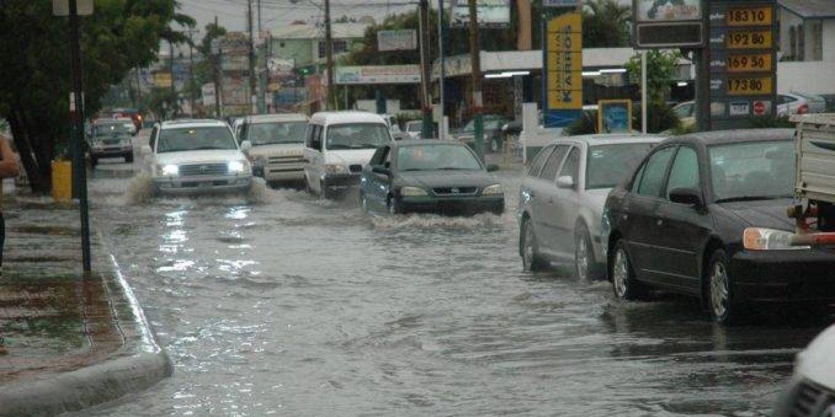 El COE mantiene alerta verde por lluvias en ocho provincias