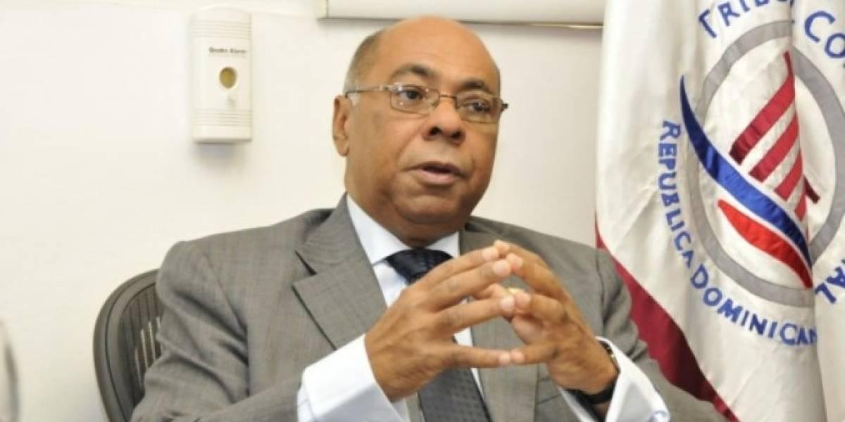 Ray Guevara dice que la Constitución de 2010 apuesta por la modernización del país