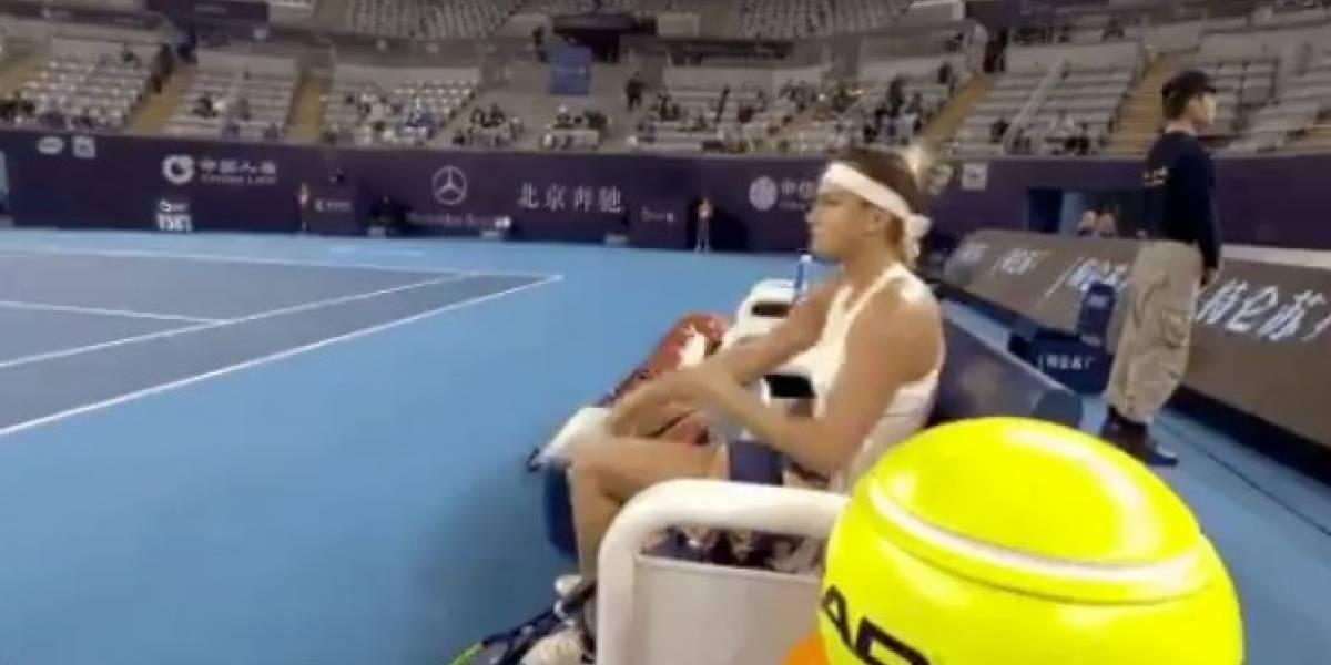 VIDEO: Tenista enloquece y humilla a recogepelotas al término de un juego