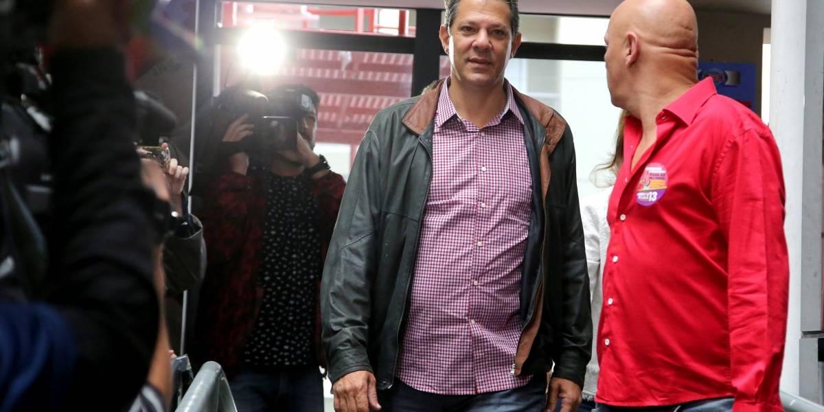 Haddad começa dia de eleição com aliados em São Bernardo