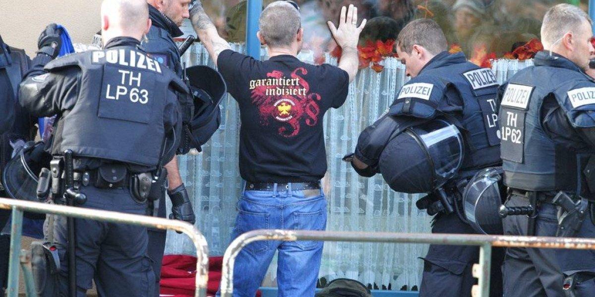 Policía alemana pone fin a concierto de neonazis por violencia