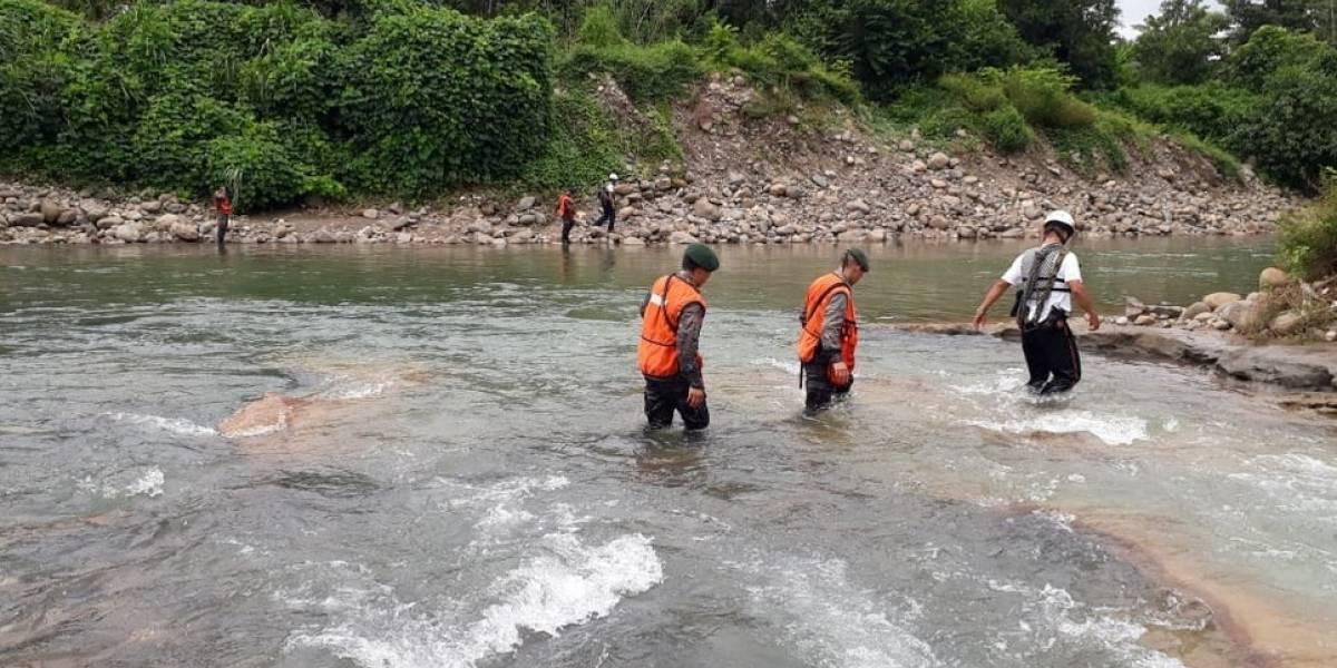 Rescatistas buscan a niño arrastrado por un río en San Marcos