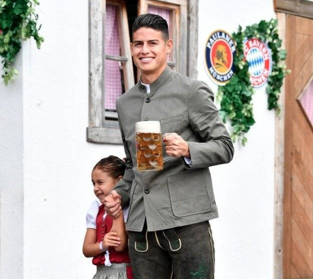 2. James y Salomé en el Oktoberfest