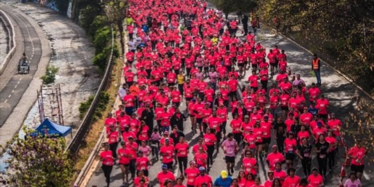 Más de nueve mil personas participaron en corrida contra el cáncer de mama