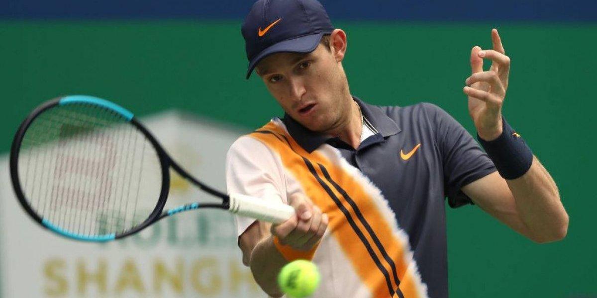 Nicolás Jarry tuvo que trabajar duro para vencer a Mischa Zverev en su debut en el Masters 1000 de Shanghai