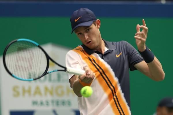 Nicolás Jarry logró imponer su categoría sobre Mischa Zverev en Shangai / Foto: Getty Images