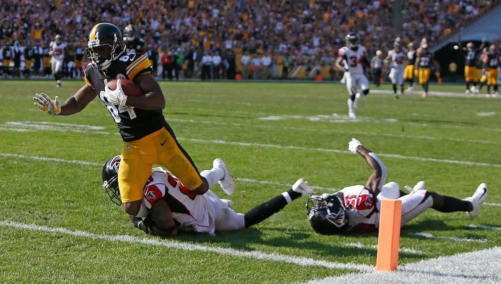 Antonio Brown consiguió dos anotaciones para guiar el triunfo de Pittsburgh. / Getty Images
