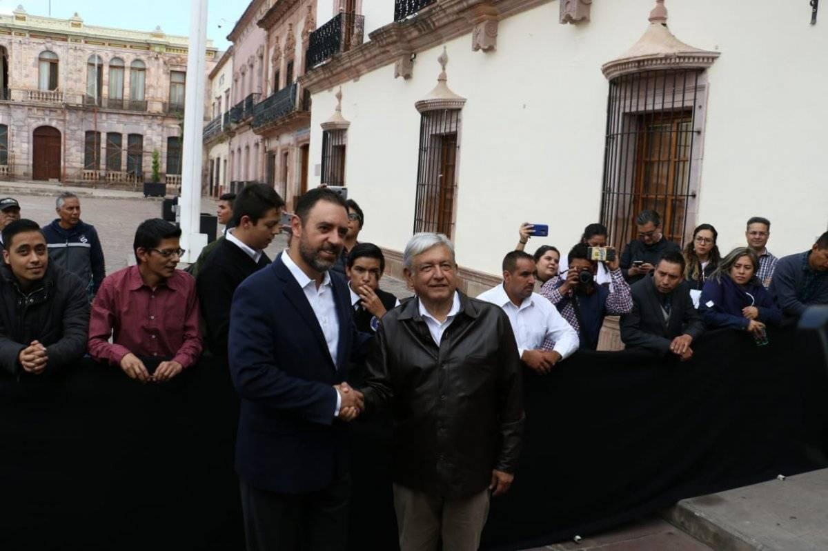 El presidente electo estuvo acompañado del gobernador Alejandro Tello Cristerna, y colaboradores en el Palacio de Gobierno. Foto: Cortesía.