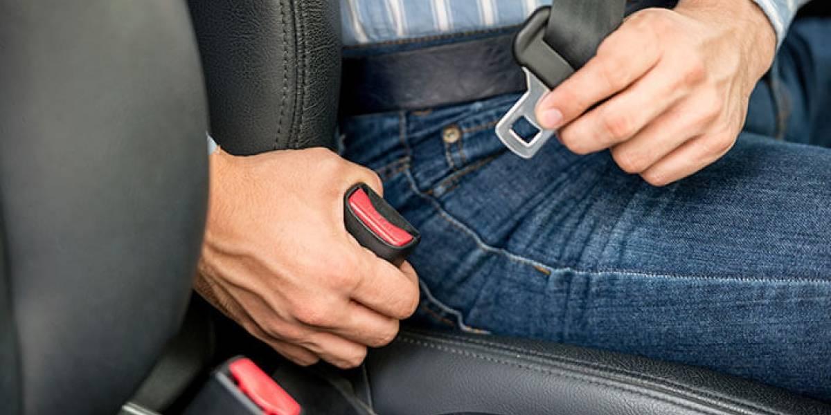 Multa de $57,90 por no usar cinturón de seguridad