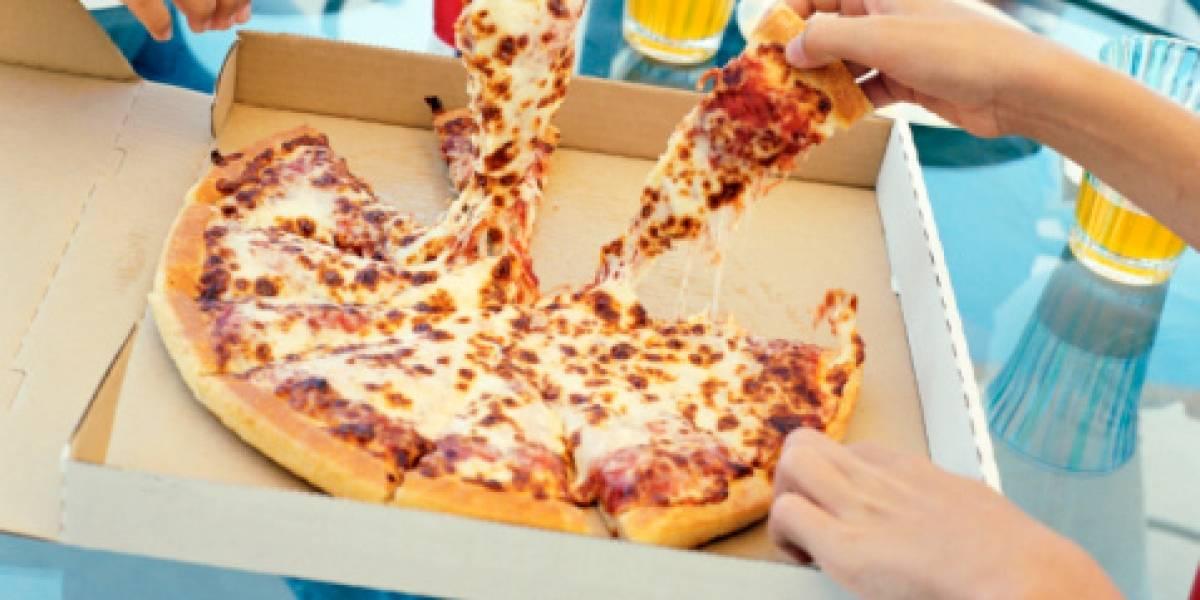 Escupió la pizza de sus clientes y ahora arriesga 18 años de cárcel por la asquerosa broma