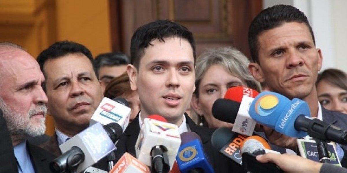"""Diputado venezolano responsabilizó a Nicolás Maduro por """"suicidio"""" del concejal Fernando Albán"""