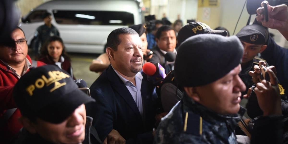 """""""Tono Coro"""", señalado de cobrar indemnización millonaria, es capturado en el aeropuerto"""