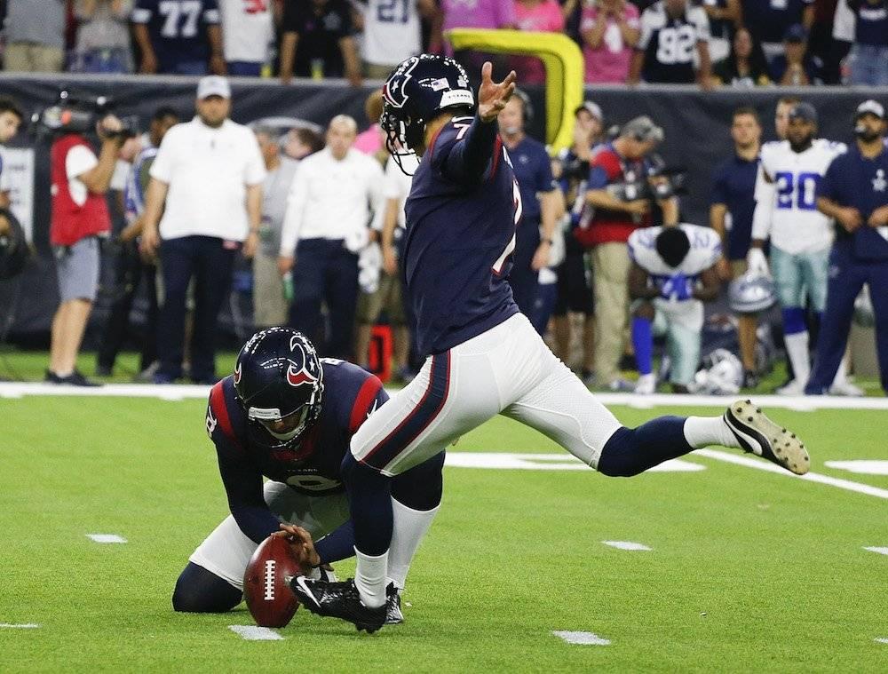 Ka'imi Fairbairn conectó su patada de 36 yardas para darle el triunfo a los Texanos. / Getty Images