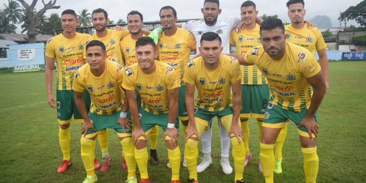 Guastatoya sigue líder en fútbol de Guatemala