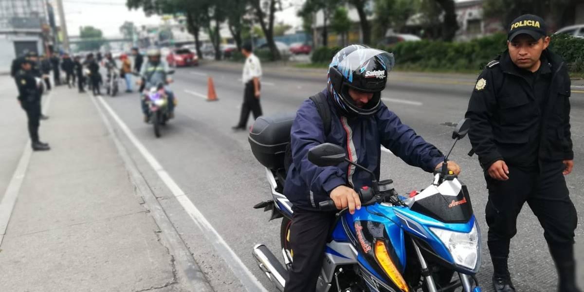 PNC realiza operativos de verificación de motoristas en la capital