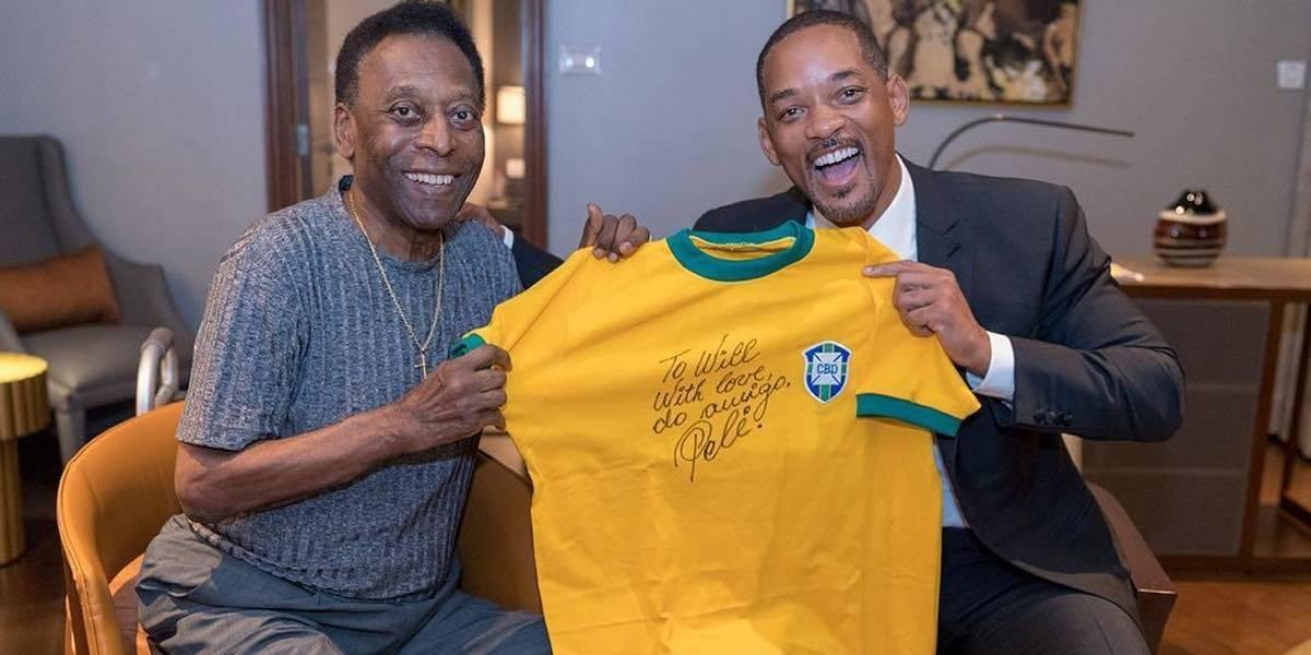 'Eu conheci a lenda', diz Will Smith sobre Pelé após pedir autógrafo