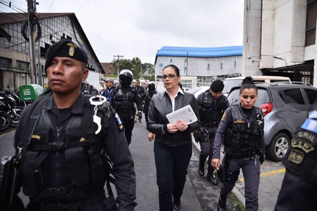 Dan cárcel a exvicepresidenta por corrupción — Guatemala