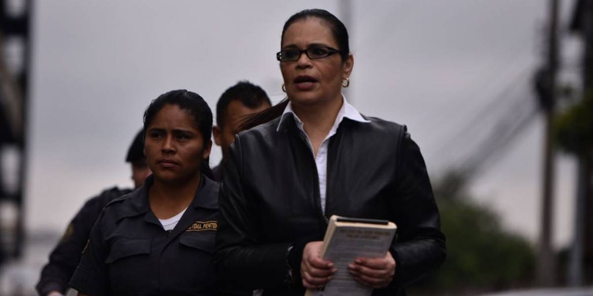Condenan a Roxana Baldetti a 15 años de prisión por #AguaMágica