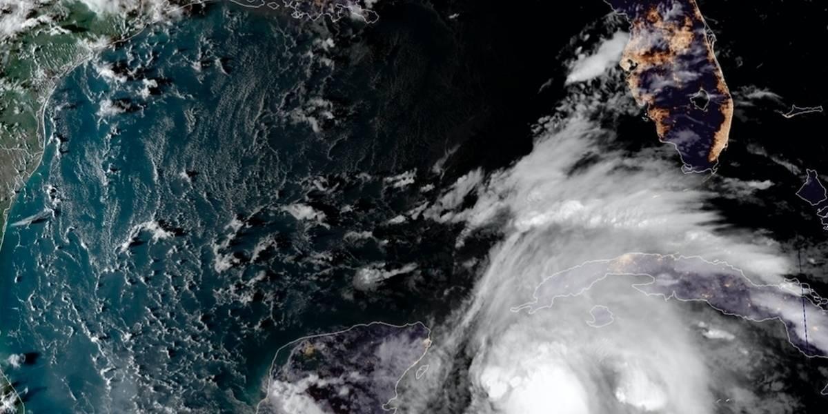 Michael se convierte en huracán y amenaza a Florida