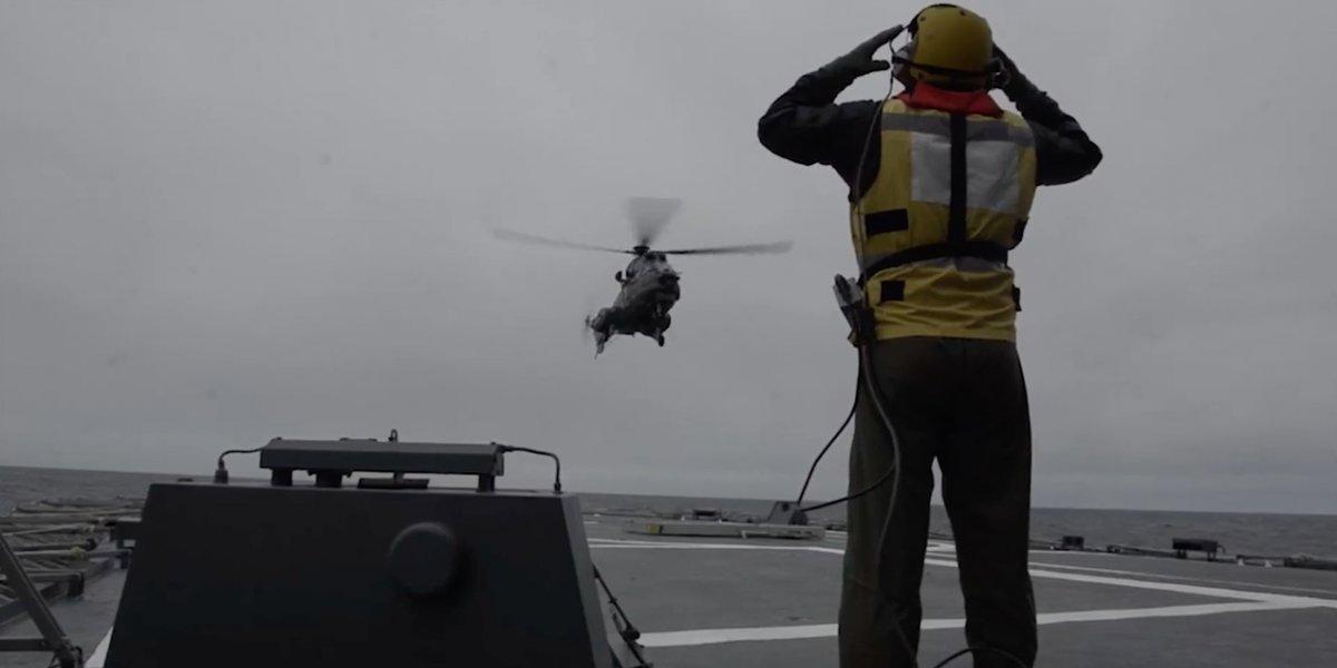 """""""Policía del mar de Chile"""" celebra 200 años con cinematográfico video: incluye disparos de misiles, paracaidistas y derribamiento de objetos"""