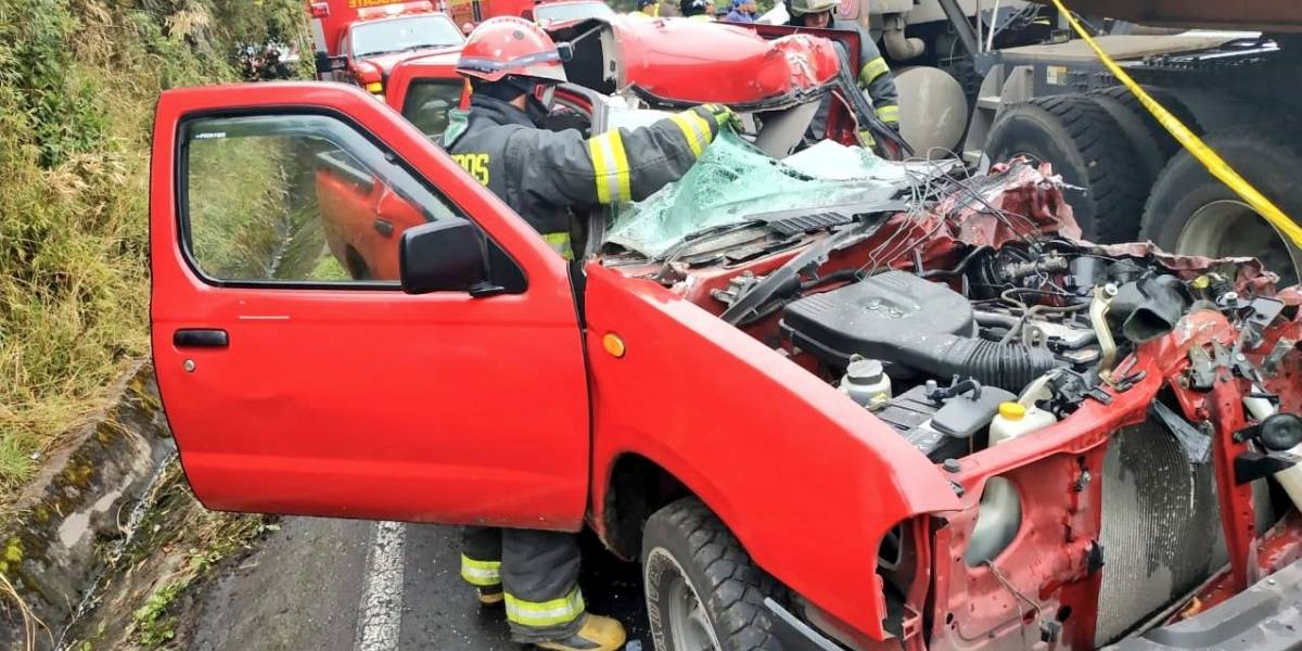 Dos heridos tras accidente de tránsito en Lloa, sur occidente de Quito