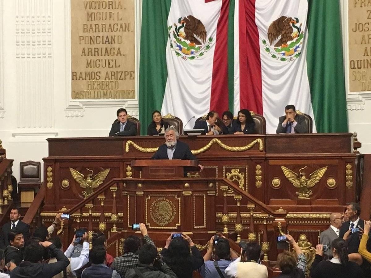 Además pidió a sus compañeros no dejar morir la Constitución CDMX. Cortesía.