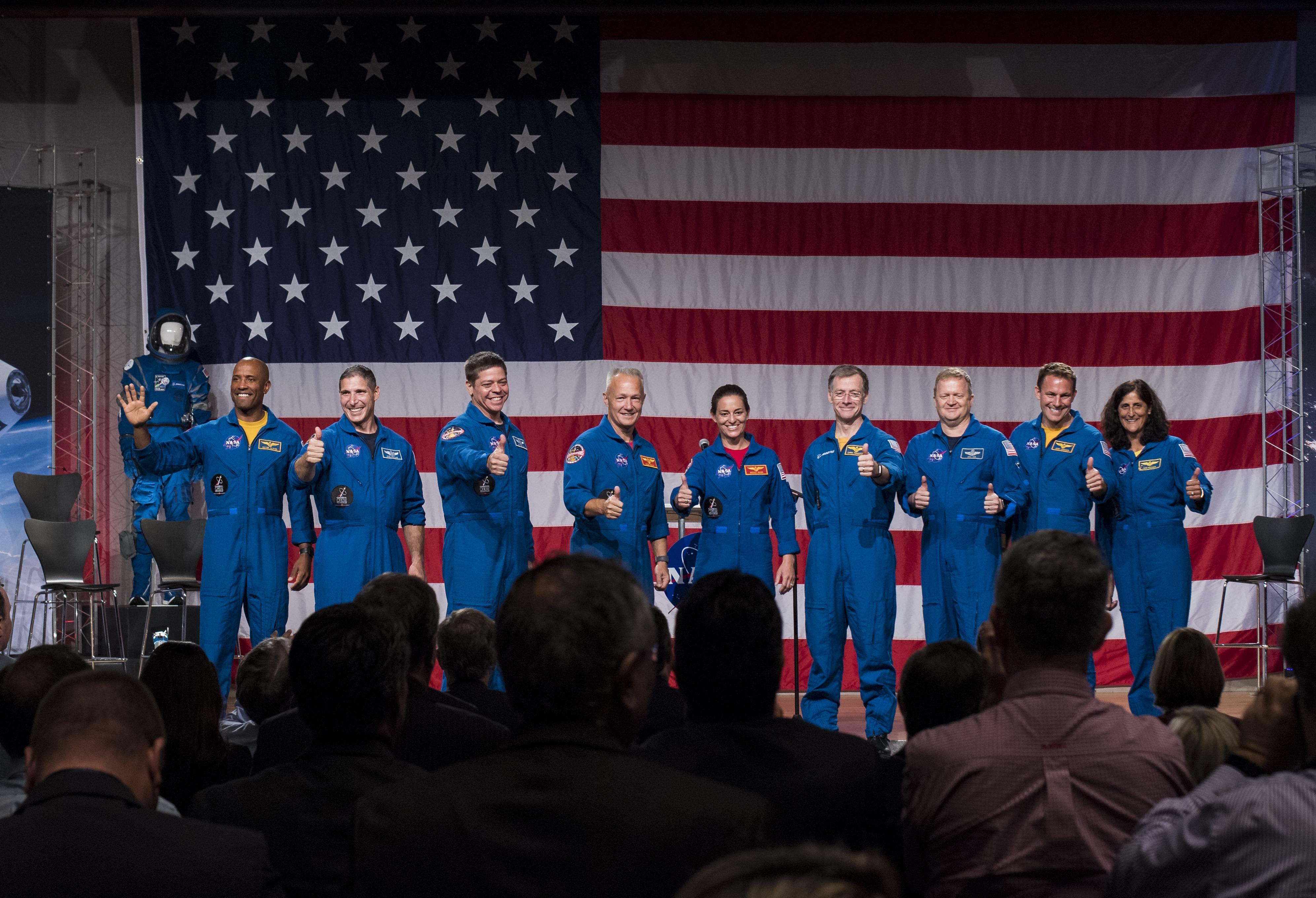 Ya hay fecha oficial para los primeros vuelos tripulados de SpaceX y Boeing a la Estación Espacial Internacional