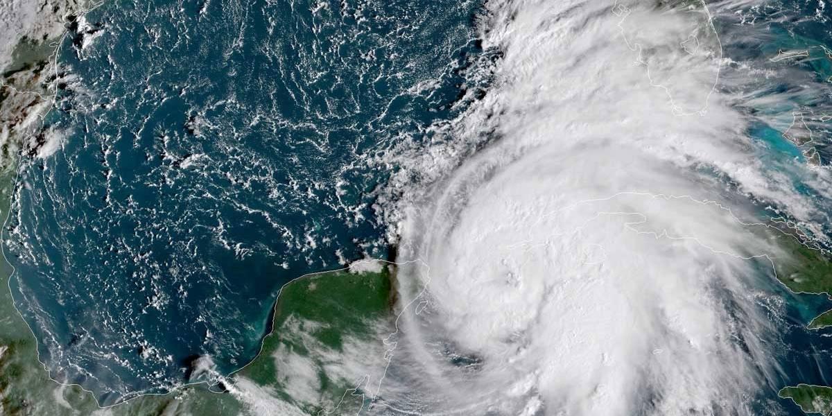 Tempestade Michael se transforma em furacão perto de Cuba