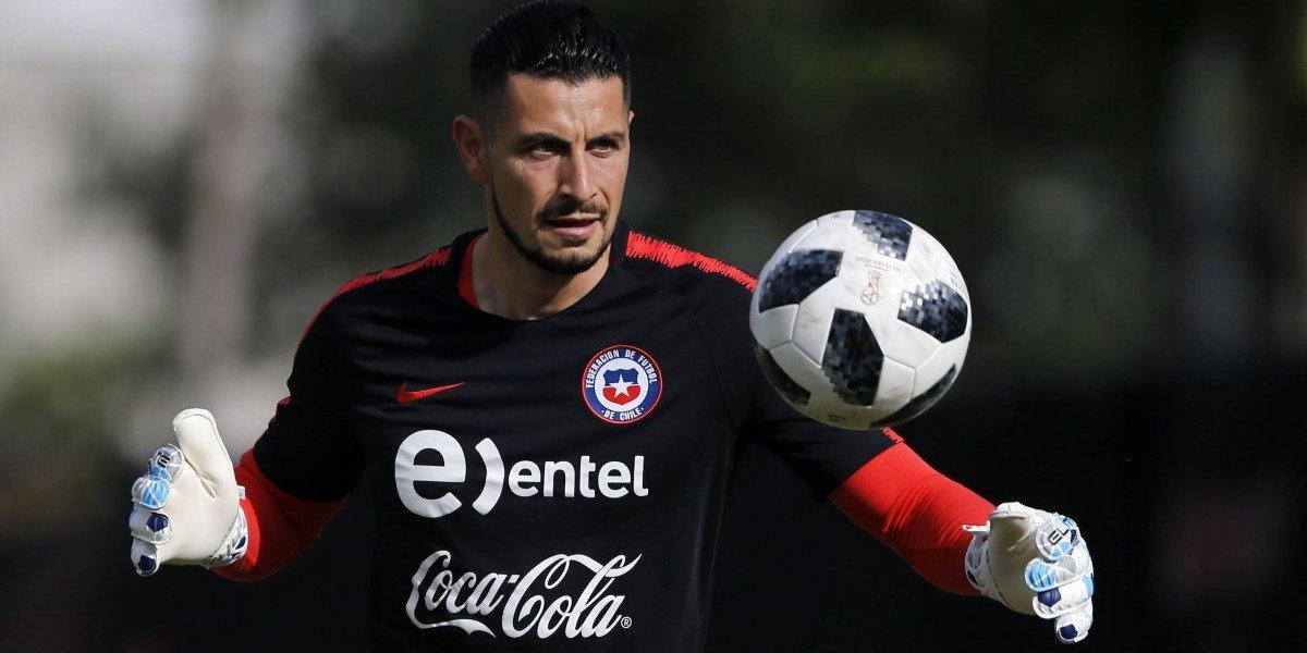Nueva baja en la Roja: Confirman lesión del arquero Gabriel Arias y se pierde gira por Norteamérica
