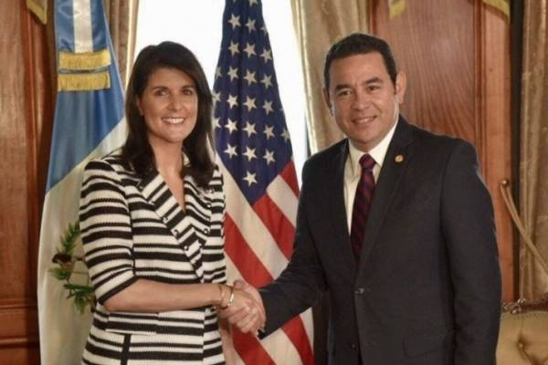 Nikki Haley y Jimmy Morales