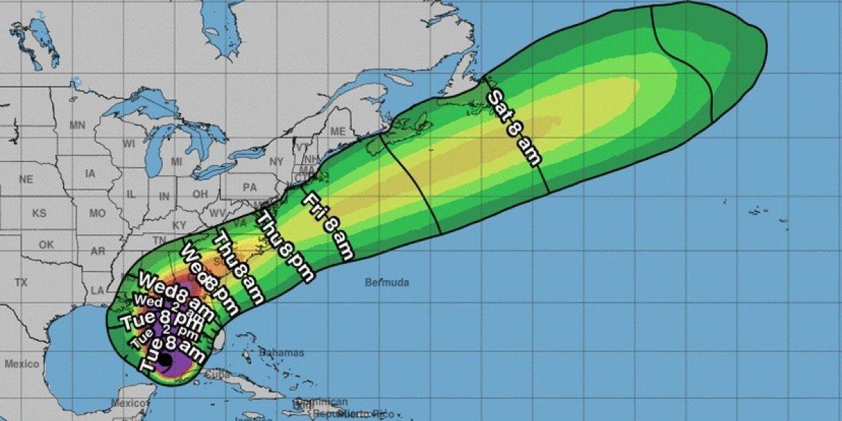 Michael se vuelve huracán categoría 2
