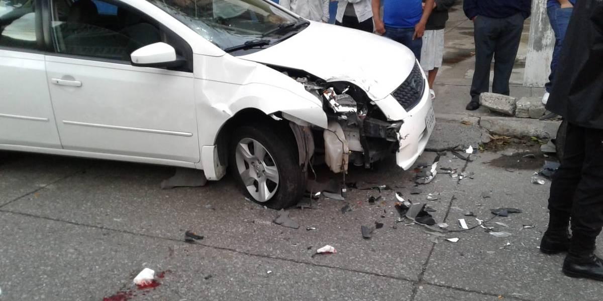 Motorista que conducía contra la vía choca con vehículo en ruta hacia el Mezquital