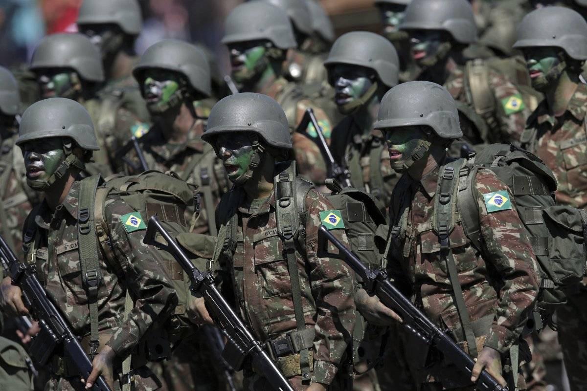 Militares Brasil. AP