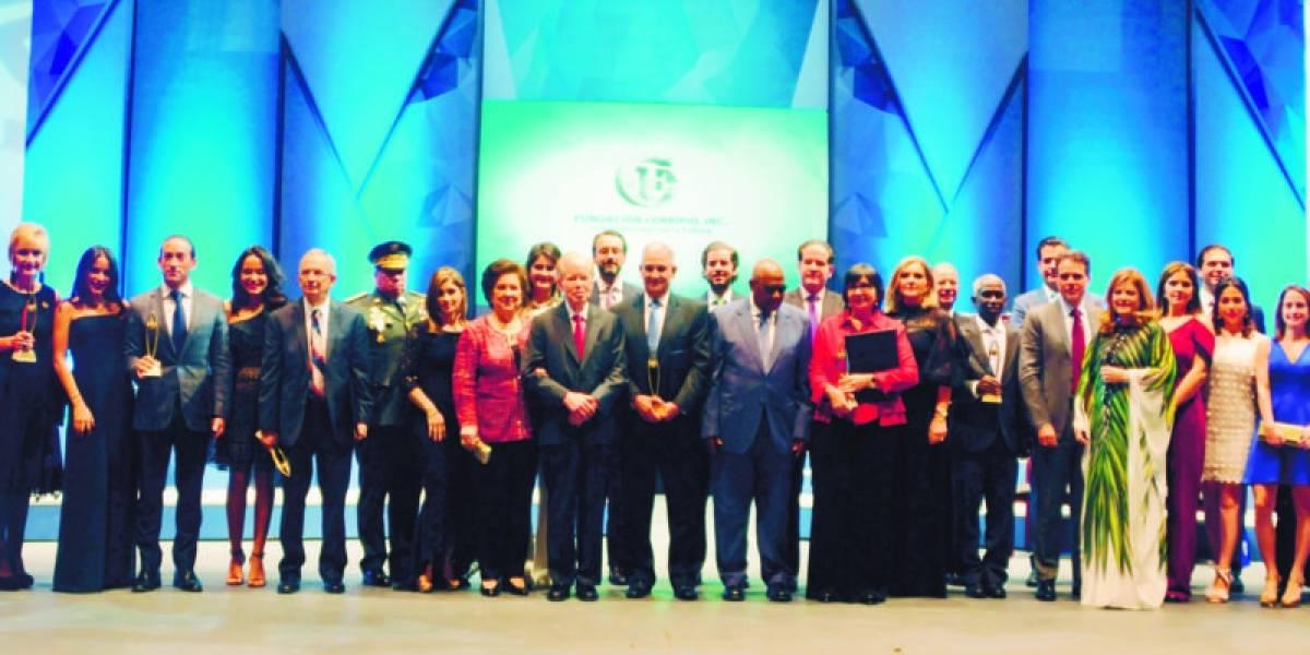Fundación Corripio reconoce labor de cuatro profesionales