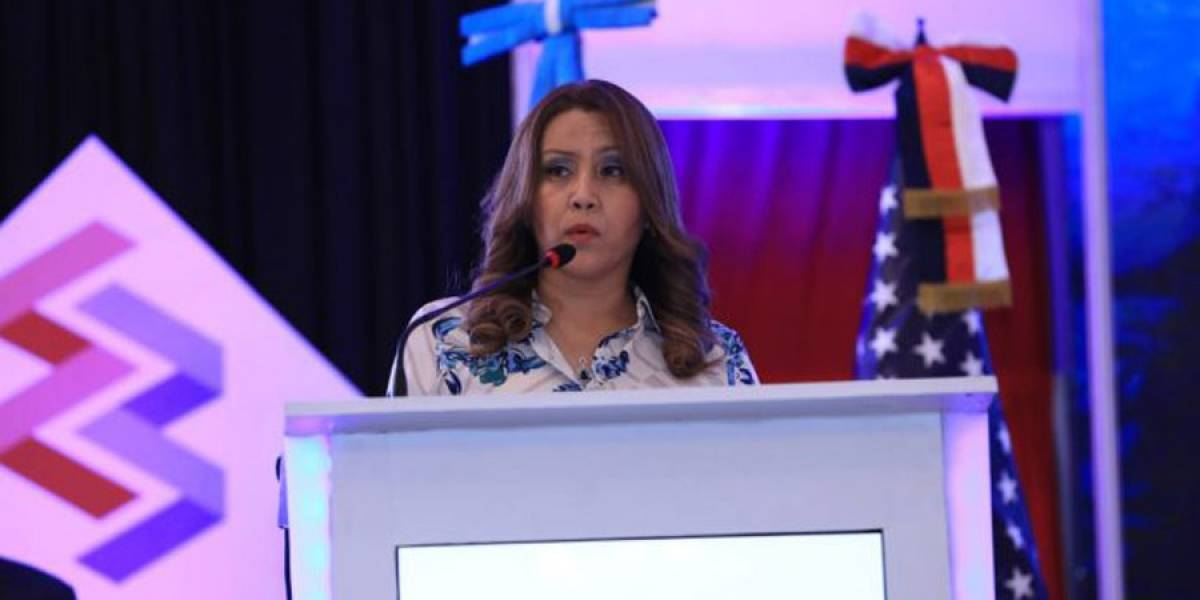 Primera dama agradece y da impulso al emprendedurismo de migrantes guatemaltecos