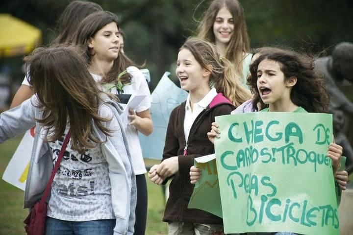 Protesto crianças