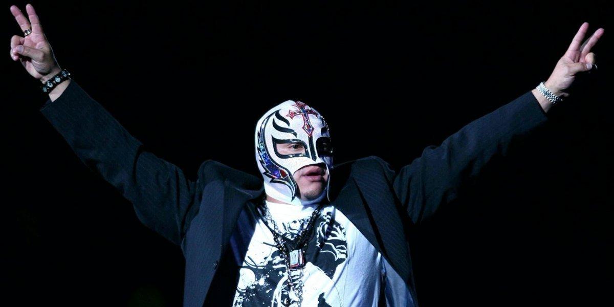Rey Mysterio regresa a la WWE SmackDown