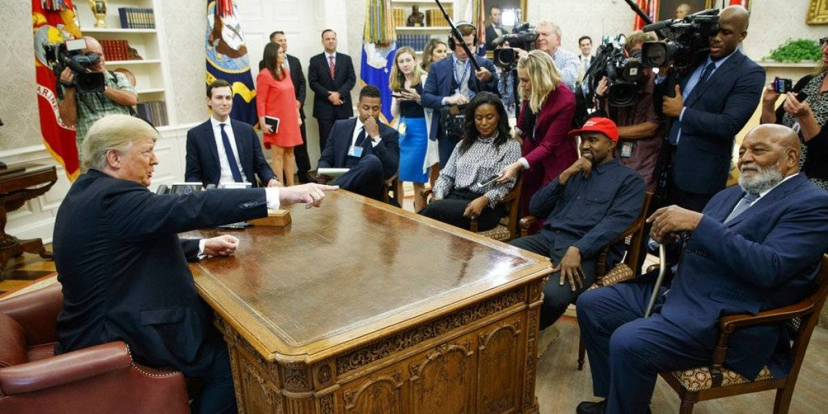 """Kanye West se reúne con Trump y dice que le hace sentir """"como Superman"""""""