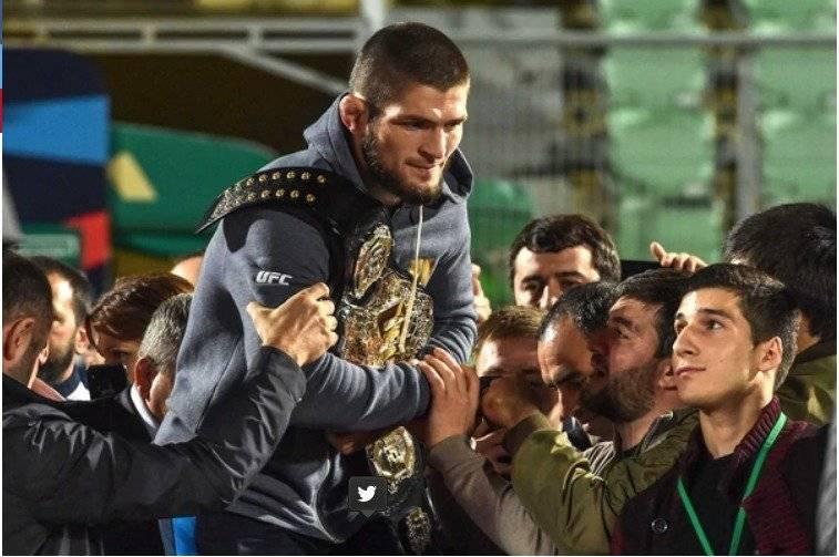 Vladimir Putin justificó a Khabib Nurmagomedov por su violenta reacción en la pelea ante McGregor AFP