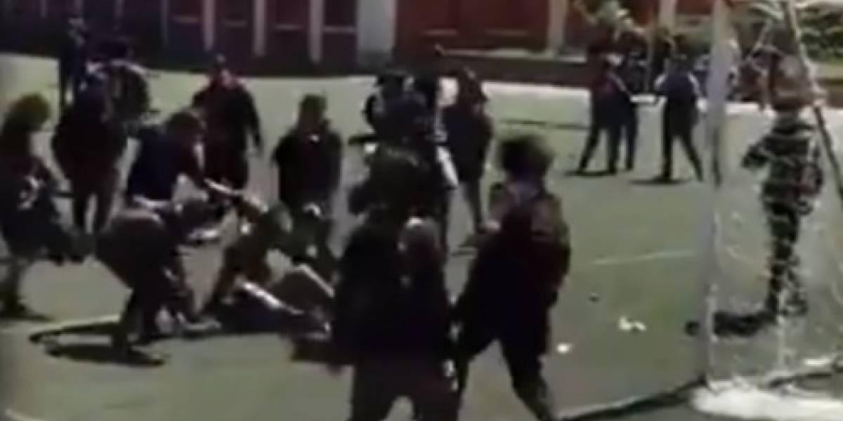 """""""Estos pendejos pasaron el límite"""": la dura condena en redes sociales a la brutal agresión a carabineros en el INBA"""