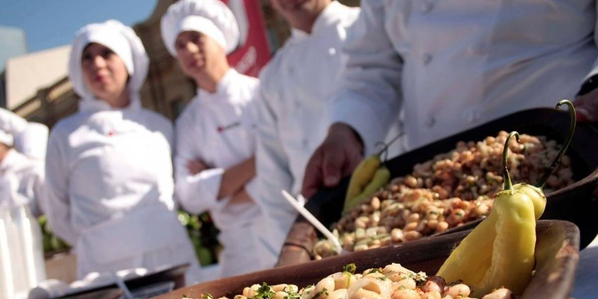 Escuela de gastronomía abre sus aulas para capacitar a migrantes de la comuna de Lampa