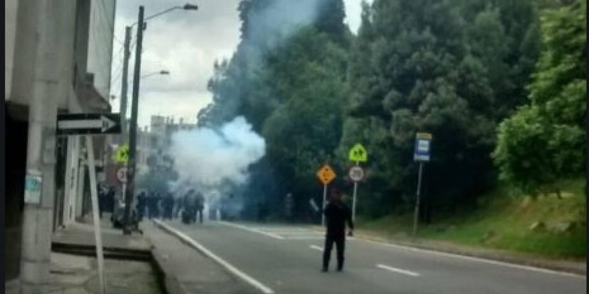 Pedrea y manifestación en la Universidad Distrital cierra la Avenida Circunvalar