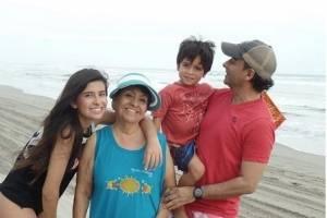 Adal Ramones con su familia