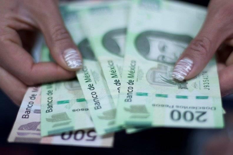 Los especialistas en finanzas personales recomiendan hacer un presupuesto de compras y no abusar de los meses sin intereses / Cuartoscuro