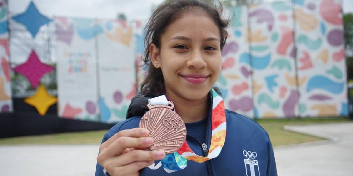 Con Apenas 14 Anos Talentosa Gimnasta Gana Medalla Para Guatemala
