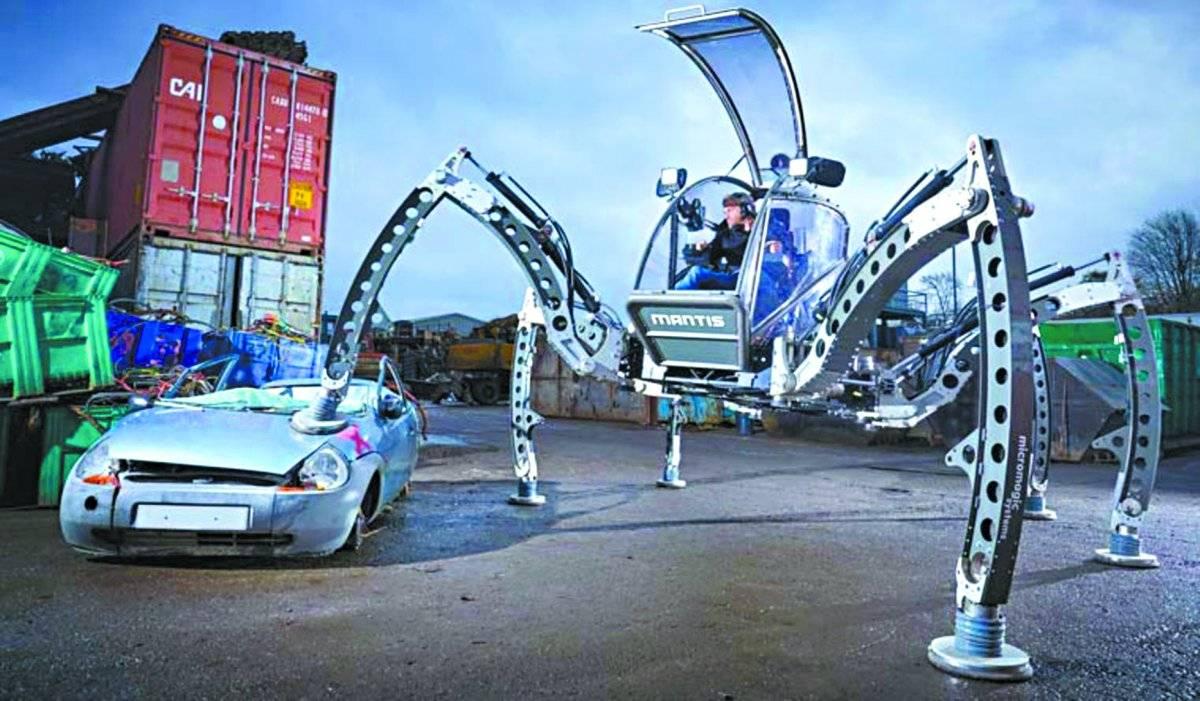 O maior robô hexapode montável