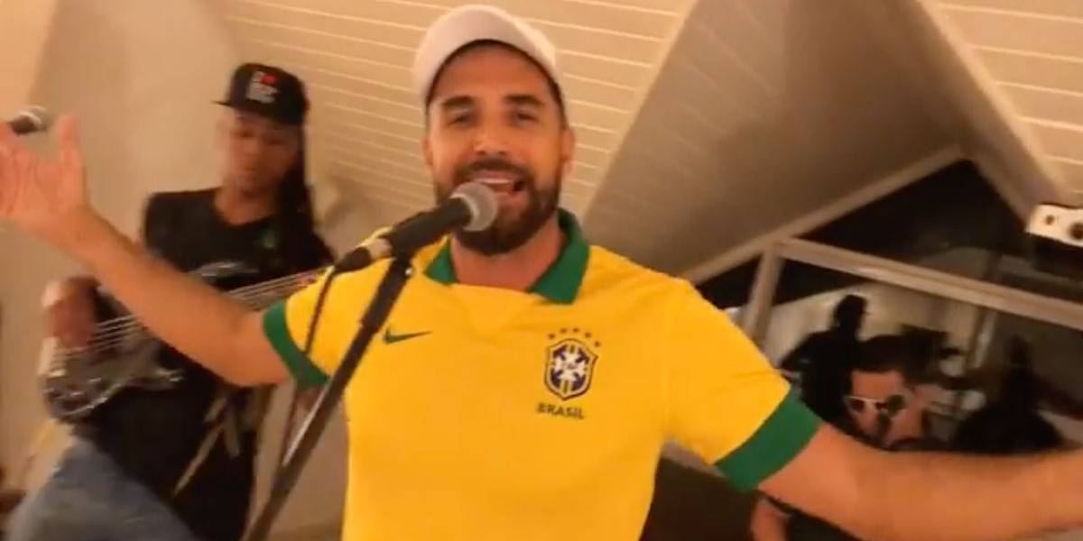 Música de Latino apoiando Bolsonaro e xingando o PT viraliza na rede